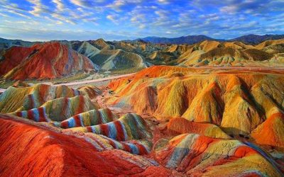Montagne di Zhangye Danxia - Enzo - https://www.flickr.com/photos/enzo2659/31174971432/